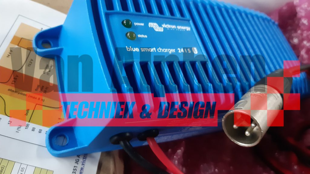 Blue-Smart-Charger-IP67-with-XLR-3-connector.jpg